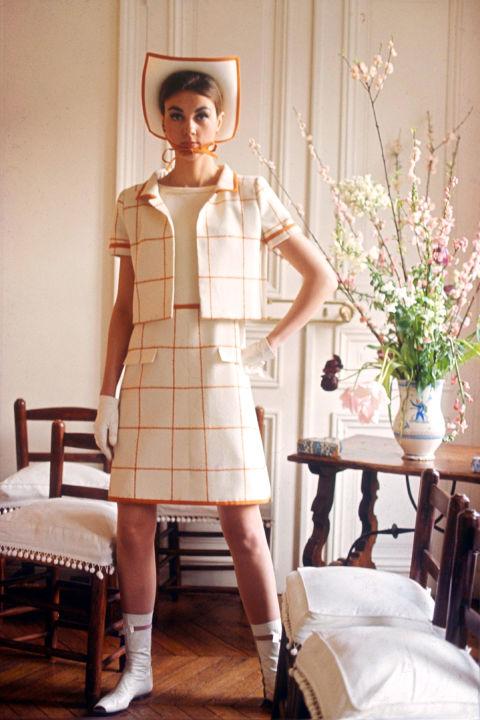 Hapars Bazaar Fashion Flashback-courreges-1965-rexusa