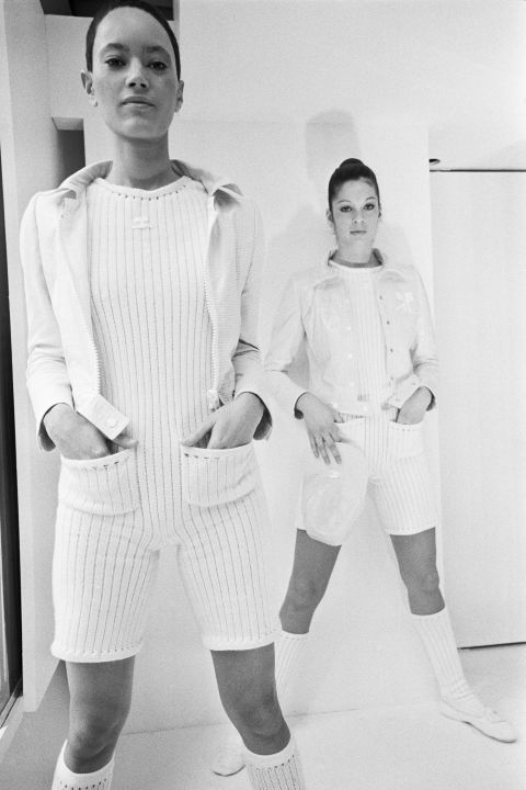 Hapars Bazaar Fashion Flashback-courreges-1971-corbis